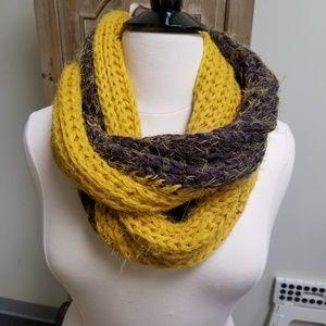 NWT Chunky Knit Infinity Scarf